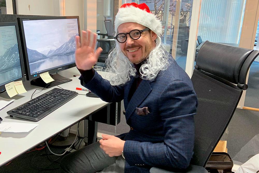 Spare- og investeringsøknom Martin Graftås gir deg kvasse replikker du kan bruke hvis noen sier du er kjip som gir fond i julegave.